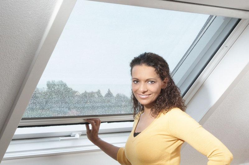 insektenschutz-fuer-dachfenster-
